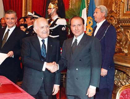 28-marzo-1994-Con-il-presidente-della-Repubblica-Oscar-Luigi-Scalfaro_gal_portrait